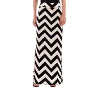 A.n.a. Chevron Skirt